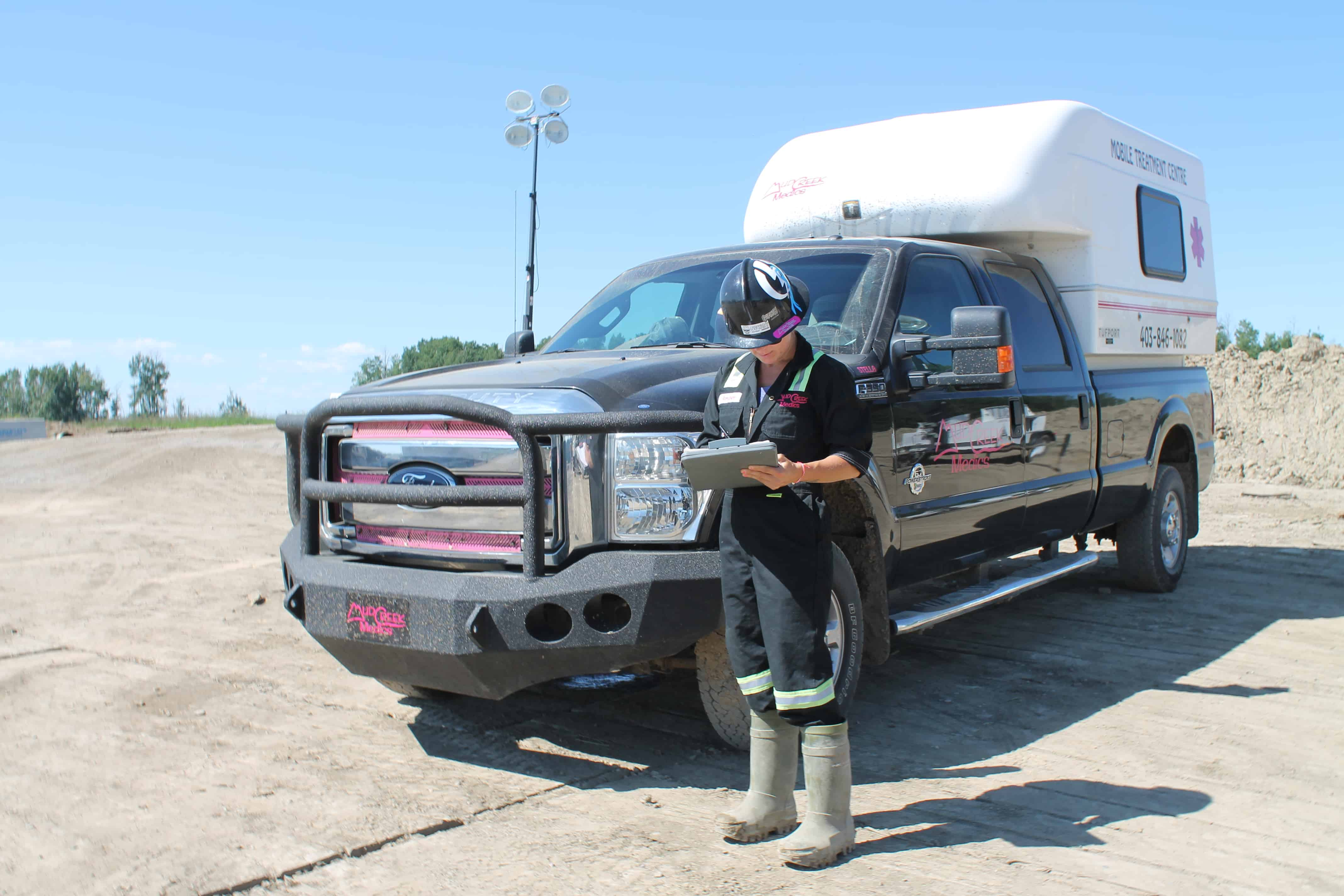 mud-creek-medics-oil-and-gas-alberta-professional